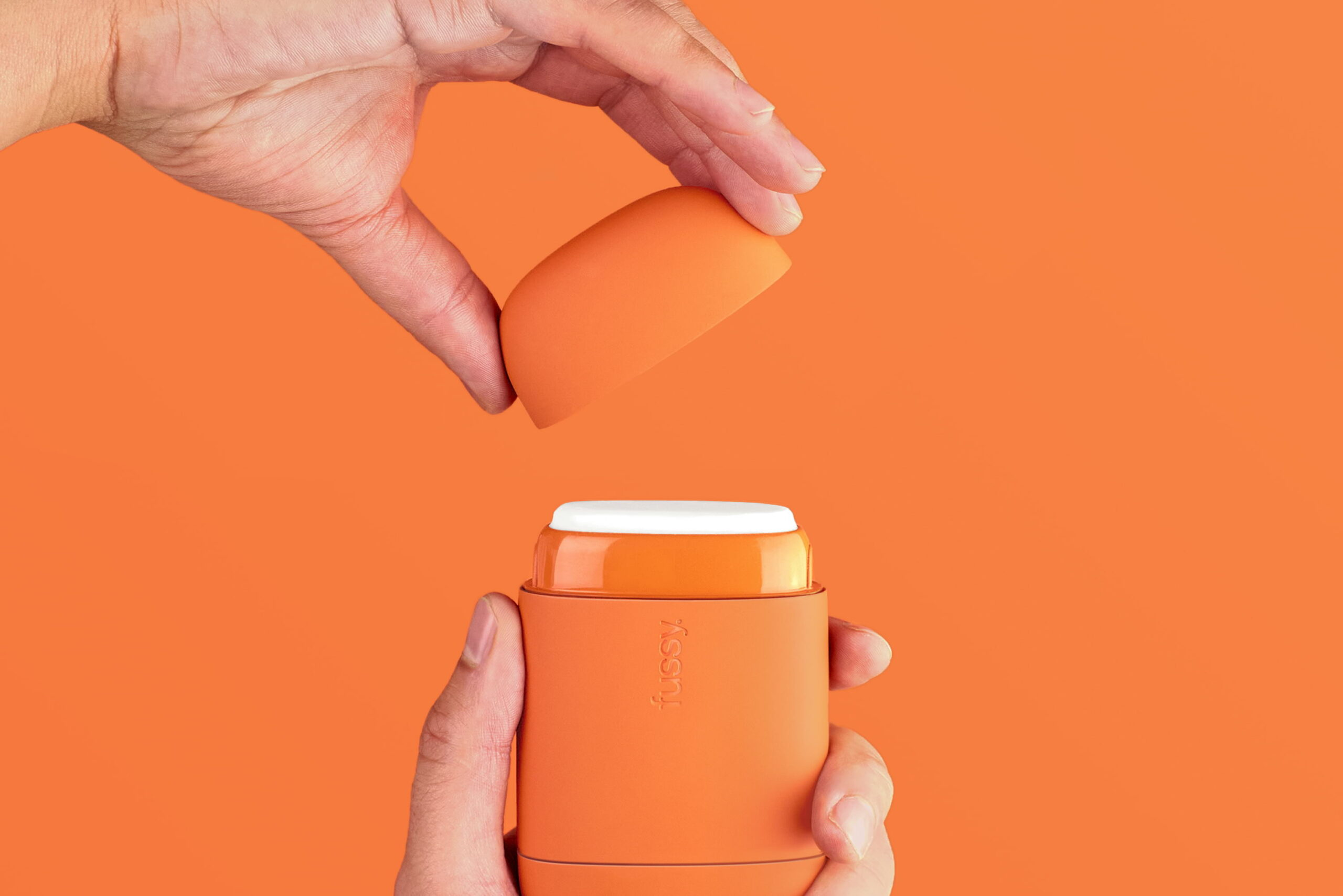 Blond-Design-Agency-Cosmetics-Packaging-Sustainable-Eco-Deodorant-Top-Orange-Landscape